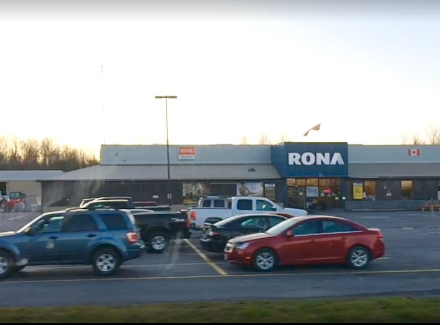 Outside view of Rona Kemptville Location
